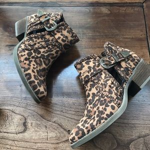 NEW Western style Animal print booties 8.5